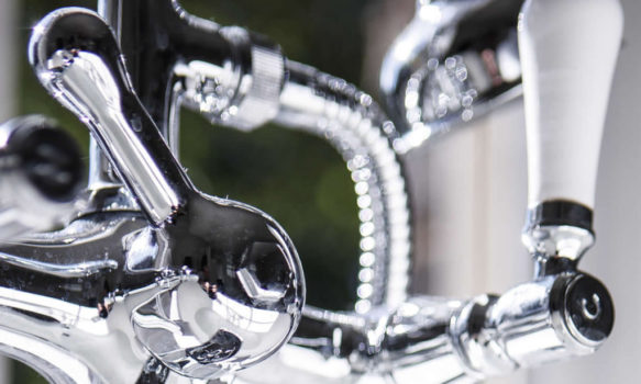 MASTER 2000x1200px_0004_plumbing taps